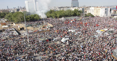 gezi crowd